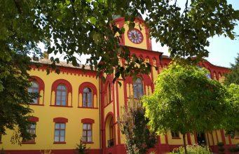 Karlovačka gimnazija foto Wikipedia min