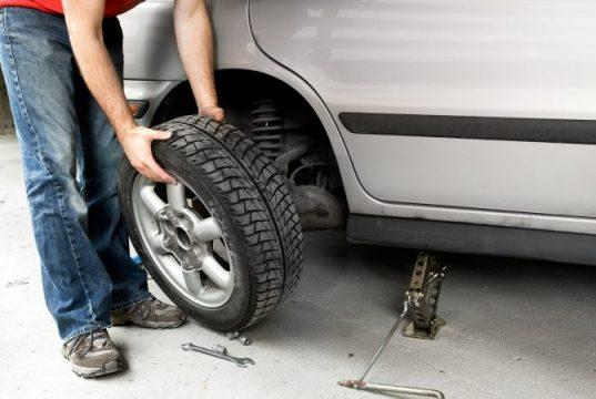 change-flat-tyre